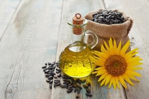 Contractele futures pentru uleiurile vegetale scad cu 1%/zi